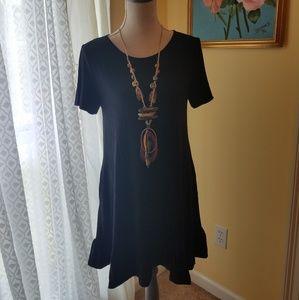 Sleek sleeve dress with ruffles